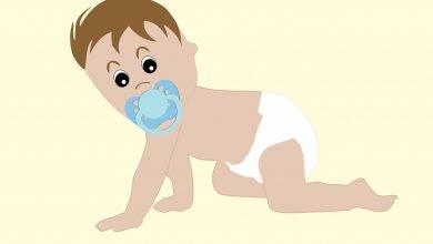 السن المناسب لتعليم الطفل الحمام علميا - كيف اعلم طفلي ترك الحفاضة